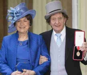 Comedy Legend, Sir Ken Dodd Is Dead. Died 2-Days After Secret Marriage With A 40-Yrs-Old Woman